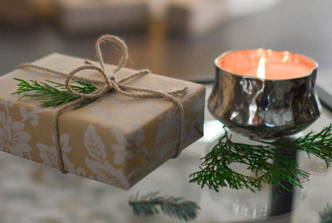 Looking for gift ideas for introverts?  Here's a gift guide with 17 awesome ideas...